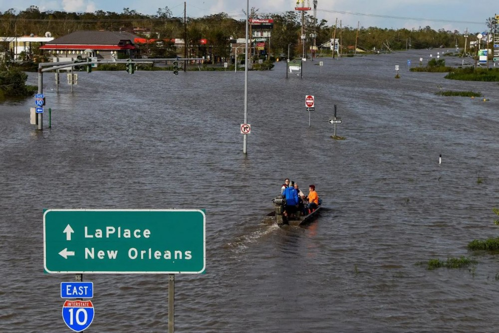 Satunnaisia hurrikaaneja?