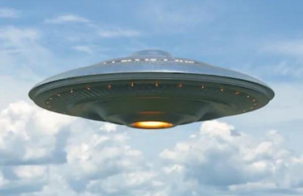 USA, UFOt ja Alienit